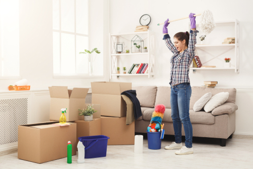 What is the best way to do a move in cleaning